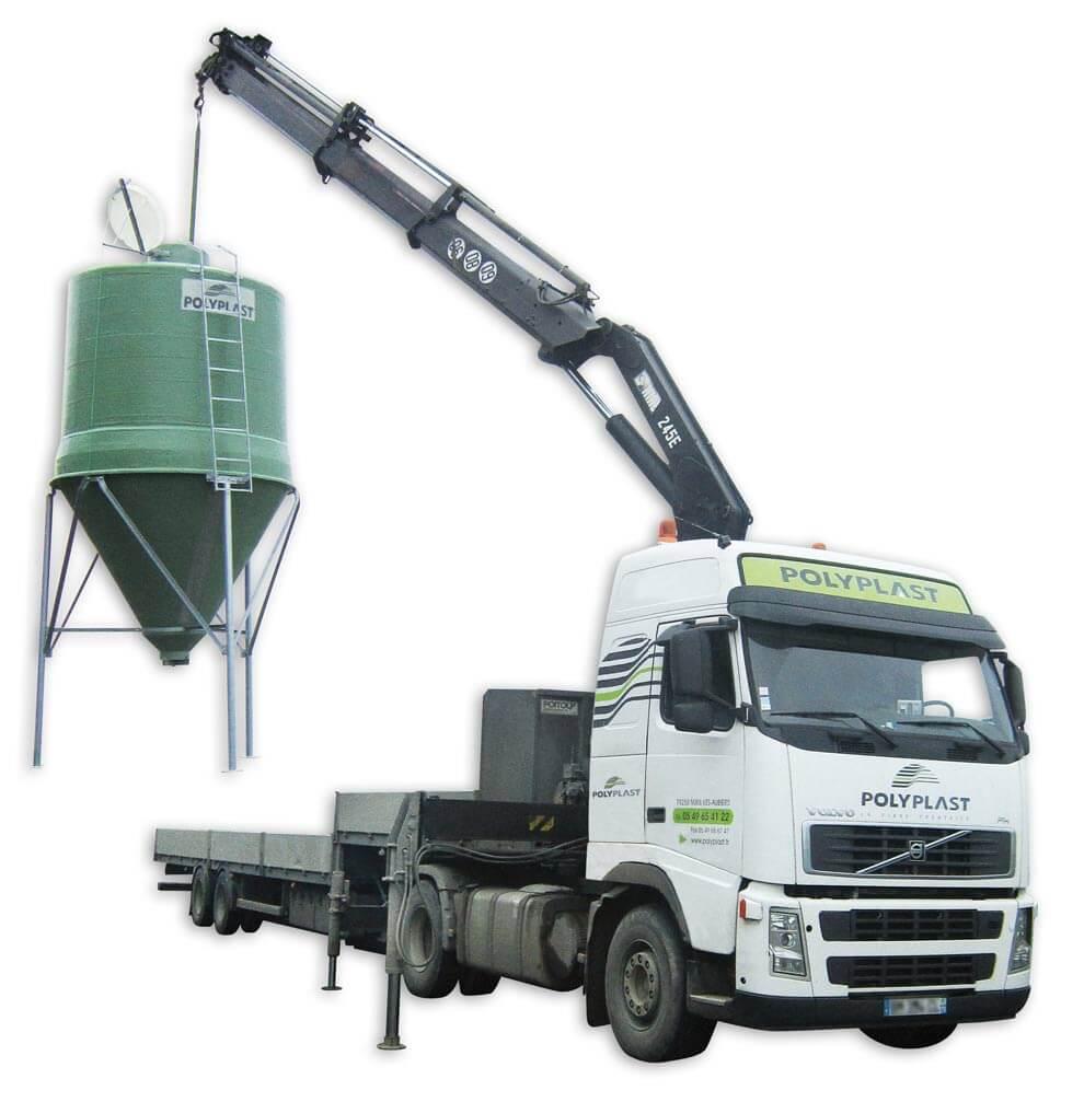 Levage d'un silo à grain agricole